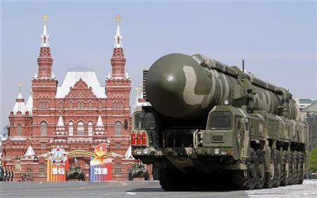 A mobile launcher with a Topol-M missile travels along the Red Square during a military parade in Moscow in this May 9, 2010 file photo. REUTERS/Sergei Karpukhin