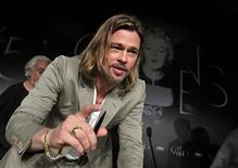 """O membro do elenco Brad Pitt comparece a uma coletiva para o filme """"Killing Them Softly"""", que compete no 65o Festival de Cinema de Cannes, 22 de maio de 2012. REUTERS/Eric Gaillard"""