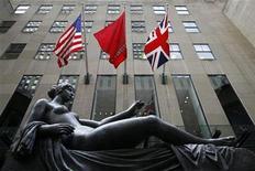 """<p>Foto de archivo de la casa de subastas Christie's en Nueva York, oct 29 2009. """"La revolte des contraires"""" del fallecido chileno Roberto Matta lideró la subasta de arte latinoamericana de Christie's, cuando fue vendida por 5 millones de dólares y estableció un récord para el artista, considerado una figura seminal en el vínculo entre el surrealismo y el expresionismo abstracto. REUTERS/Chip East</p>"""