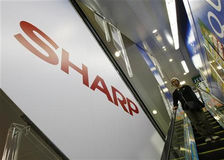 Sharp's logo is seen at an electronic shop in Tokyo October 29, 2009. REUTERS/Kim Kyung-Hoon