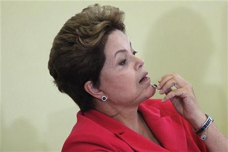 Brazil's President Dilma Rousseff attends the launch of the Brasil Carinhoso (Affectionate Brazil) program at the Planalto Palace in Brasilia May 14, 2012. REUTERS/Ueslei Marcelino