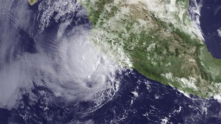 Hurricane Bud appoaches landfall in Mexico in a satellite image taken May 25, 2012. REUTERS/National Oceanic and Atmospheric Administration