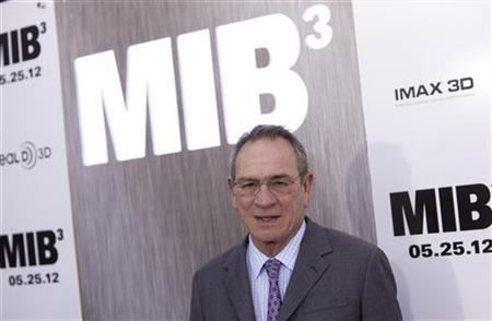 Cast member Tommy Lee Jones arrives for the premiere of ''Men In Black 3'' in New York May 23, 2012. REUTERS/Andrew Kelly