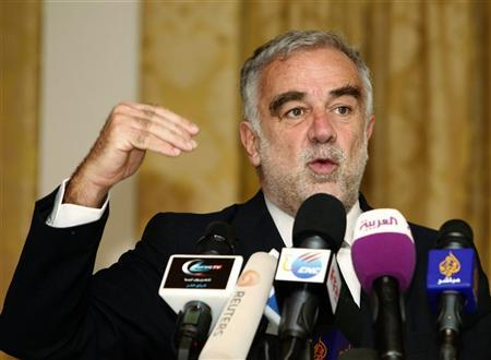 International Criminal Court (ICC) war crimes prosecutor Luis Moreno-Ocampo gestures during a news conference in Tripoli April 21, 2012. REUTERS/Ismail Zitouny