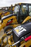 <p>Caterpillar figure parmi les valeurs à suivre jeudi à Wall Street. Les ouvriers en grève de l'usine de Joliet, dans l'Illinois, du numéro un mondial de l'excavation ont rejeté une nouvelle proposition de la direction concernant leur rémunération. La grève qui a débuté le 1er mai est reconduite. /Photo prise le 19 mars 2012/REUTERS/Richard Carson</p>