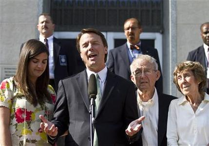 Former U.S. Senator John Edwards (2nd L) makes a statement with his daughter, Cate Edwards (L), father Wallace Edwards, and mother Bobbie Edwards (R) after the jury reached a verdict at the federal courthouse in Greensboro, North Carolina May 31, 2012. Jurors acquitted former U.S. Senator John Edwards on one count of taking illegal campaign contributions on Thursday and the judge declared a mistrial on five other counts because the jury was deadlocked. REUTERS/John Adkisson