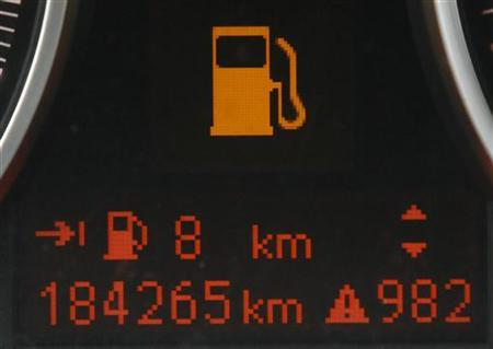 A fuel indicator displays an empty tank in Bochum April 5, 2012. REUTERS/Wolfgang Rattay/Files