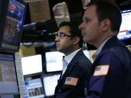Traders work on the floor of the New York Stock Exchange June 1, 2012. REUTERS/Brendan McDermid
