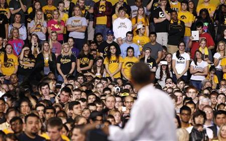 U.S. President Barack Obama talks about the rising costs of student loans while at the University of Iowa in Iowa City, April 25, 2012. REUTERS/Larry Downing