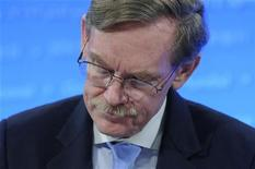 World Bank President Robert Zoellick attends a news conference at the end of the Development Committee session during the semi-annual meetings of the IMF and the World Bank in Washington April 21, 2012. REUTERS/Jonathan Ernst