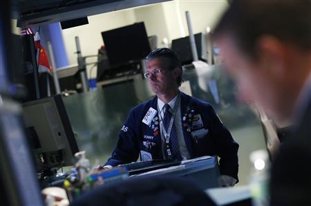 Traders work on the floor of the New York Stock Exchange June 8, 2012. REUTERS/Brendan McDermid