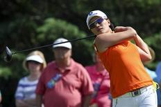 Se Ri Pak of South Korea tees off on the third hole during round two of the LPGA Golf Championship in Pittsford, New York June 8, 2012. REUTERS/Adam Fenster
