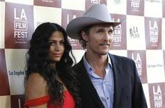 Matthew McConaughey e Camila Alves participam de Festival de Filmes de Los Angeles, em junho de 2011. O ator e a modelo se casaram no Texas, no sábado, segundo informações da imprensa.