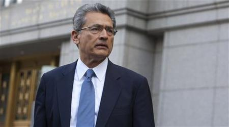 Former Goldman Sachs Group Inc board member Rajat Gupta leaves Manhattan Federal Court in New York June 8, 2012. REUTERS/Andrew Kelly