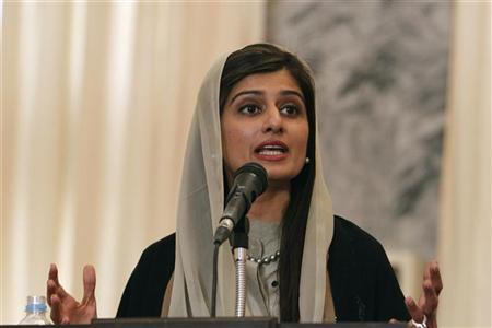 Pakistan's Foreign Minister Hina Rabbani Khar speaks during a news conference in Kabul February 1, 2012. REUTERS/Omar Sobhani