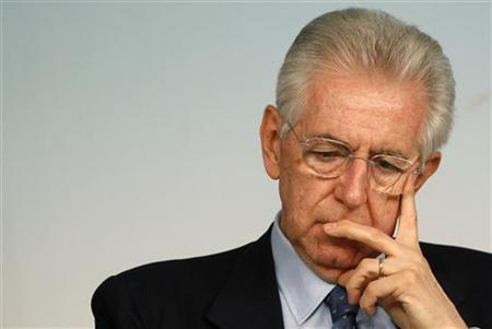 Italian Prime Minister Mario Monti attends a news conference at Chigi palace in Rome April 18, 2012. REUTERS/ Tony Gentile
