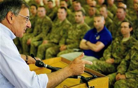 US Secretary of Defense Leon Panetta speaks with US troops during his visit to Kabul June 7, 2012. REUTERS/Jim Watson/Pool