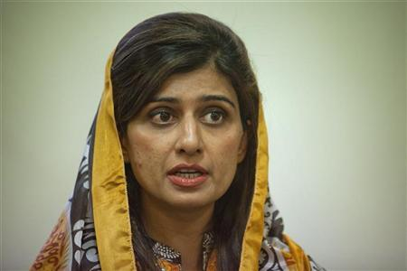 Pakistan's Foreign Minister Hina Rabbani Khar speaks during an interview with Reuters in Islamabad April 25, 2012. REUTERS/Faisal Mahmood