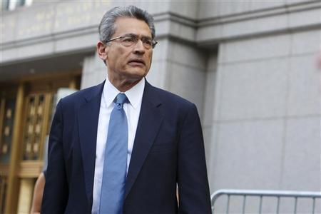 Former Goldman Sachs Group Inc board member Rajat Gupta leaves Manhattan Federal Court in New York June 8, 2012. REUTERS/Andrew Kelly