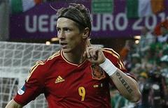 O atacante espanhol Fernando Torres comemora gol da Espanha contra Irlanda nesta quinta-feira. REUTERS/Pascal Lauener