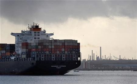A freight ship leaves Southampton docks in southern England, January 22, 2009. REUTERS/Kieran Doherty