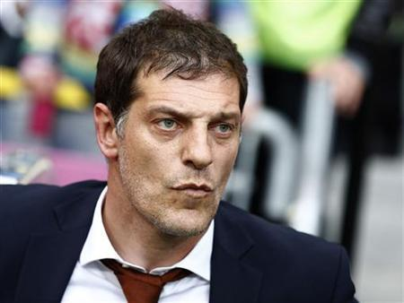 Croatia's coach Slaven Bilic reacts before their Group C Euro 2012 soccer match against Italy at the city stadium in Poznan June 14, 2012. REUTERS/Dominic Ebenbichler