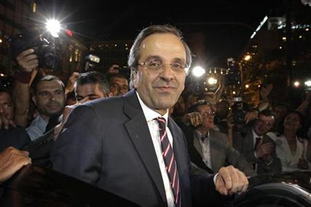 Conservative New Democracy leader Antonis Samaras leaves the party's main election kiosk in Athens' Syntagma square June 17, 2012. REUTERS/Pascal Rossignol