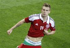 O dinamarquês Nicklas Bentner reage após marcar um gol contra Portugal durante uma partida no novo estádio em Lviv, 13 de junho de 2012. REUTERS/Gleb Garanich