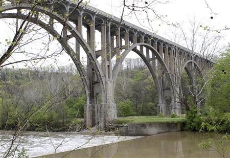 The Brecksville-Northfield High Level Bridge is seen near Brecksville, Ohio, May 1, 2012. REUTERS/Aaron Josefczyk