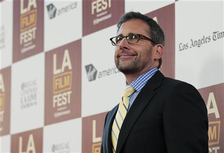 Cast member Steve Carell poses at the premiere of ''Seeking a Friend for the End of the World'' during the Los Angeles Film Festival at the Regal Cinemas in Los Angeles, California June 18, 2012. REUTERS/Mario Anzuoni