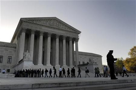 Members of the general public are allowed in to watch legal arguments over the Patient Protection and Affordable Care Act at the Supreme Court in Washington March 26, 2012. REUTERS/Jonathan Ernst