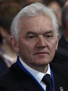 Finnish businessman Gennady Timchenko looks on during his visit to the Russian Geographical Society in St. Petersburg April 10, 2012. REUTERS/Alexander Demianchuk