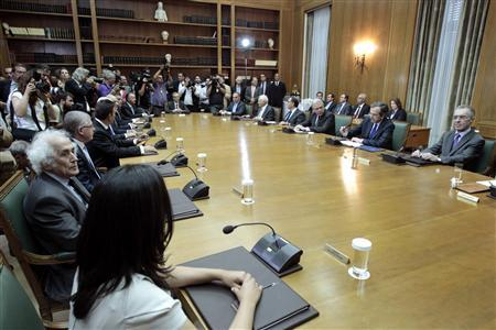A general view of the first cabinet meeting of Greece's new coalition government in Athens June 21, 2012. REUTERS/Yorgos Karahalis
