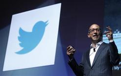 <p>Le PDG de Twitter Dick Costolo. Le site de micro-blogging Twitter a connu deux pannes en l'espace de quelques heures jeudi et ses utilisateurs à travers le monde ont été confrontés à un trafic ralenti ou à l'impossibilité de se connecter via internet ou les applications mobiles. /Photo prise le 20 juin 2012/REUTERS/Eric Gaillard</p>