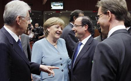 Italy's Prime Minister Mario Monti, Germany's Chancellor Angela Merkel, France's President Francois Hollande and Finland's Prime Minister Jyrki Katainen attend an informal EU leaders summit in Brussels May 23, 2012. REUTERS/Francois Lenoir
