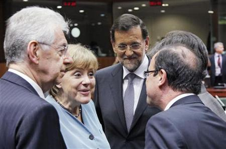 (L-R) Italy's Prime Minister Mario Monti, Germany's Chancellor Angela Merkel, Spain's Prime Minister Mariano Rajoy and France's President Francois Hollande attend an informal EU leaders summit in Brussels May 23, 2012. REUTERS/Francois Lenoir