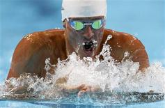 Ryan Lochte swims his men's 400m individual medley heat during the U.S. Olympic swimming trials in Omaha, Nebraska, June 25, 2012. REUTERS/Jeff Haynes