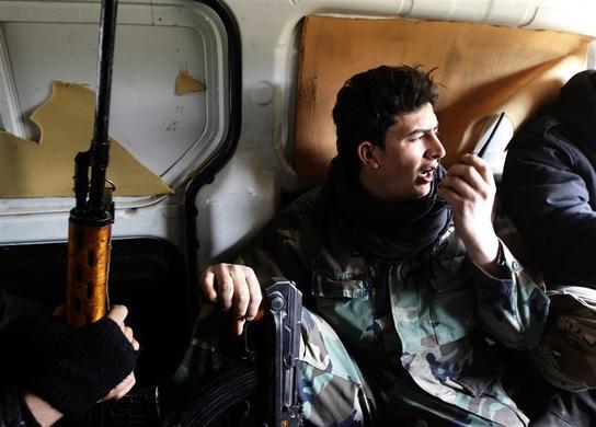 صور احرار سوريا 2013 - الجيش السورى الحر 2013 - ثوار سوريا 2013 ?m=02&d=20120626&t=2&i=623350360&w=&fh=&fw=&ll=700&pl=390&r=2012-06-26T165504Z_07_GM1E82S00EH01_RTRRPP_0_SYRIA