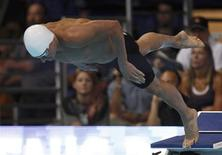 Ryan Lochte starts his men's 200m freestyle heat during the U.S. Olympic swimming trials in Omaha, Nebraska, June 26, 2012. REUTERS/Jeff Haynes