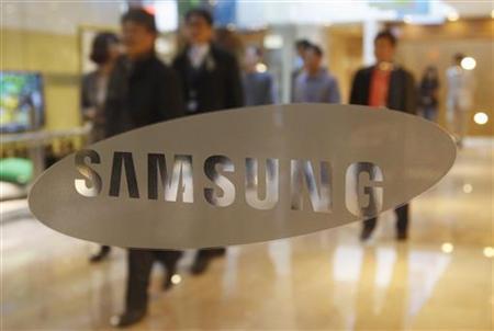 6月26日、米連邦地裁のコー判事は、韓国サムスン電子のタブレット端末「Galaxy Tab(ギャラクシータブ)10.1」について、米国での販売仮差し止め命令を出した。写真は4月、ソウルにあるサムスンのオフィスで撮影(2012年 ロイター/Kim Hong-Ji)