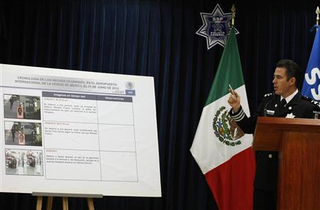Luis Cardenas, division head of the federal police, addresses the media in a news conference in Mexico City June 28, 2012. REUTERS/Bernardo Montoya