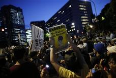 Thousands of protesters take part in an anti-nuclear demonstration demanding a stop to the resumption of operation of nuclear reactors in front of Japanese Prime Minister Yoshihiko Noda's official residence in Tokyo June 29, 2012. REUTERS/Toru Hanai