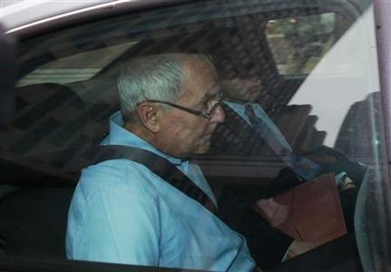 Peter Madoff departs the Jacob K. Javits federal building in New York June 29, 2012. REUTERS/Eric Thayer