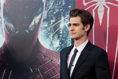 Cast member Andrew Garfield poses at the premiere of ''The Amazing Spider-Man'' at the Regency Village theatre in Los Angeles, California June 28, 2012. REUTERS/Mario Anzuoni
