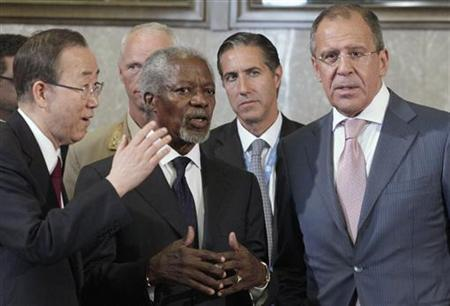 Joint Special Envoy of the United Nations and the Arab League for Syria Kofi Annan (C) speaks with Russia's Foreign Minister Sergei Lavrov (R) next to U.N. Secretary-General Ban Ki-moon at the start of the meeting of the Action Group on Syria at the United Nations European headquarters in Geneva, June 30, 2012. REUTERS/Denis Balibouse