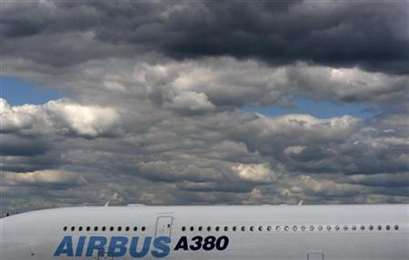 An Airbus A380 aircraft is displayed at the 2008 Farnborough International Air Show, Hampshire, southern England July 13, 2008. REUTERS/Alessia Pierdomenico