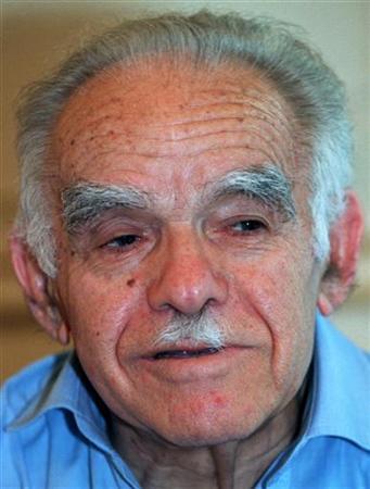 Former Israeli prime minister Yitzhak Shamir criticised President Ezer-Weizman for receiving Palestinian leader Yasser-Arafat, October 8.