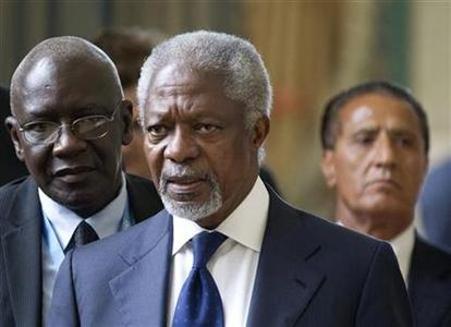 Kofi Annan, Joint Special Envoy of the United Nations and the Arab League for Syria, emerges from the Action Group on Syria meeting at the United Nations' Headquarters in Geneva, June 30, 2012. REUTERS/Haraz N. Ghanbari/Pool