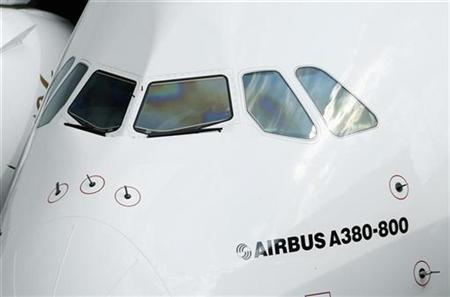 Cockpit windows of the Emirates Airline's Airbus A380 jet are pictured after its maiden flight at John F. Kennedy International Airport in New York, August 1, 2008. REUTERS/Chip East