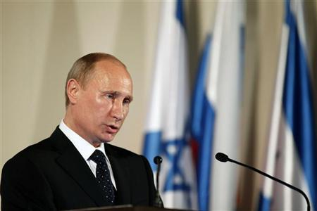 Russian President Vladimir Putin speaks before a state dinner with Israeli President Shimon Peres (not pictured) in Jerusalem June 25, 2012. REUTERS/Lior Mizrahi/Pool